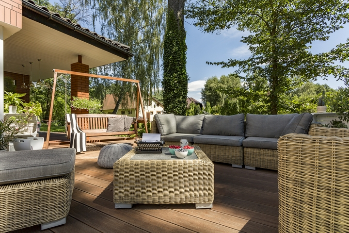 6 Design Ideas to Renovate Your Outdoor Space