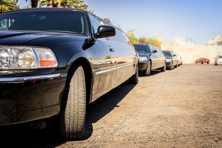 7 Red Flags to Avoid in a Limousine Service